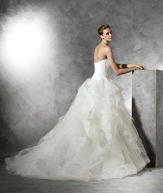 Pronovias 'Belia' size 10 used wedding dress - Nearly Newlywed