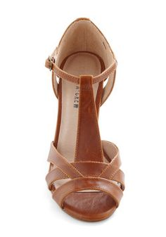 Jump for joy at ModCloth's wide selection of cute & unique women's shoes! Pretty Shoes, Beautiful Shoes, Cute Shoes, Me Too Shoes, Dream Shoes, Crazy Shoes, Shoe Boots, Shoes Sandals, Brown Sandals