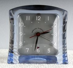Art Deco Machine Age Clear Lucite Gilbert Electric Clock Excellent Running Cond.