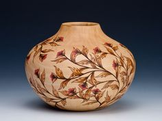 Collaborative work , pyrography and woodturning Michael Gibson, Painted Gourds, Wood Burning Patterns, Gourd Art, Glass Ceramic, Sculpture, Pyrography, Wood Turning, All Art
