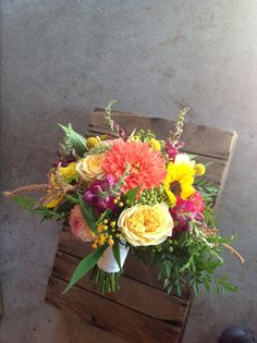 Love the mix of colors and shapes in this September bouquet. robinhollowfarm.com