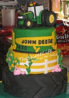 John Deere Graduation cake & cupcakes - by Julie Tenlen @ CakesDecor.com - cake decorating website