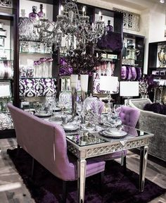 Aubergine is one of my favorite shades! I especially love the color when paired with silver and grey accents 🍆💜 - Elegant Dining Room, Luxury Dining Room, Beautiful Dining Rooms, Dining Room Design, Classy Living Room, Living Room Decor, Front Room Decor, Dinning Table, Dining Decor