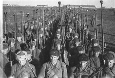 Red Army anti-tank riflemen near Kursk. Russia WW II