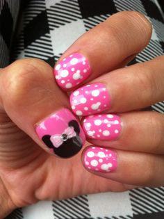 #disney nails Minnie Mouse!
