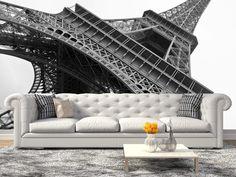 En el país del romanticismo, se encuentra a vista de todos aquel gigante de hierro que hoy por hoy es un emblema de la nación francesa; su orgullo y su monumento, La Torre Eiffel. A tan solo $69.000 el metro cuadrado.