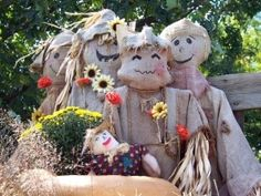 "Previous Pinner wrote:): ""Scarecrows!  I do like scarecrows, but not scary ones.  Hm-m-m"""