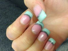 This was my first set of nails in January 2012 ?!!!?! Wtf I swear to fuck....