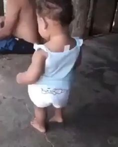 Raise your hand if this baby is a better dancer than you🙋😂