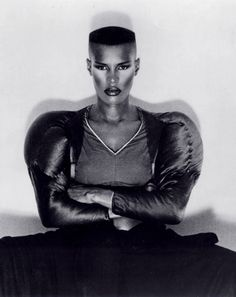 Grace Jones is truly amazing - i dont know how she can look charmingly masculine but still so femine at the same time! FIERCE!