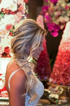 lange Haarmodelle - 31 New Long Wedding Hairstyles 2019 That Will Amaze Everyone Wedding Hair Half, Wedding Hairstyles For Long Hair, Wedding Hair And Makeup, Bride Hairstyles, Hair Makeup, Graduation Hairstyles, Homecoming Hairstyles, Bridal Hair Tips, Engagement Hairstyles