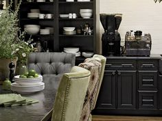 Harrington Maple Square Cabinetry In Onyx Forms A Dramatic Butler S Pantry For Displaying White Earthenware In Star Chefhouse Beautifulthe