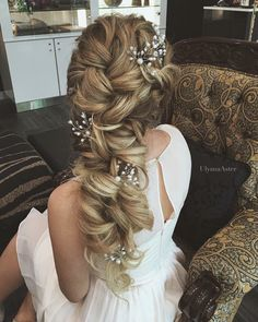 HairSpotting: TOP hairstyles to fall in love with! - HairSpotting: TOP hairstyles to fall in love with! - The HairCut Web - Long Bridal Hair, Wedding Hairstyles For Long Hair, Wedding Hair Pins, Wedding Hair And Makeup, Wedding Updo, Wedding Hair Tutorials, Bridal Hair Tutorial, Wedding Hairstyles Tutorial, Hair Down Styles