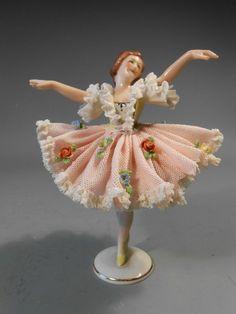 Fine German Germany Dresden Porcelain Ballerina Figurine ca. Dresden Porcelain, Fine Porcelain, Porcelain Ceramics, Porcelain Doll, Porcelain Skin, Porcelain Tiles, Dresden Dolls, Dresden China, Ballerina Figurines