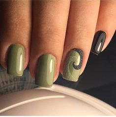If you want everyone to envy your nails, you're going to LOVE the green nail polish designs we've found. Prepare to fall in love with these green nails inspo! Green Nail Art, Green Nail Polish, Green Nails, Green Nail Designs, Fall Nail Designs, Nail Polish Designs, Nails Design, Airbrush Nails, Latest Nail Art