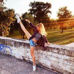#throwback to #summer and #acrossthegoals #photoshooting for #new #collection of #Acro #planner  If your interested about more #checkitout @acrossthegoals  #dance #dancelikenooneiswatching #girl #dancer #lifestyle #mrgoodlife #enjoy #enjoylife by iva.fi