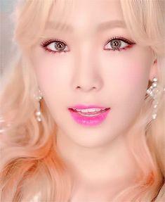 Girls Generation - Taeyeon - Lion Heart MV