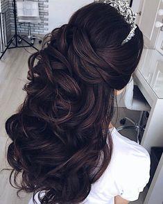 Pretty Half up half down curl hairstyles - partial updo wedding hairstyle #weddinghair #hairstyles #bridalhair #weddinghairstyle #halfuphalfdown #hairstyleideas
