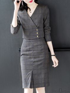 Buy Plaid V-Neck Sleeve Two Piece Bodycon Dress with High Quality and Lovely… - Tout Sur La Mode Féminine Tight Dresses, Women's Dresses, Elegant Dresses, Casual Dresses, Fashion Dresses, Bandage Dresses, Dresses Online, Mode Outfits, Skirt Outfits
