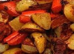 roasted potatoes and carrots / roasted potatoes ; roasted potatoes in oven ; roasted potatoes and carrots ; roasted potatoes in air fryer ; roasted potatoes and green beans Carrots In Oven, Roasted Potatoes And Carrots, Potatoes In Oven, Cooked Carrots, Roasted Vegetables, Veggies, Ranch Potatoes, Cooking Vegetables, Veggie Side Dishes