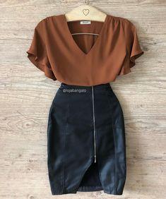 Bangalô 👗 Kpop Outfits, Skirt Outfits, Trendy Outfits, Cute Outfits, Modest Fashion, Skirt Fashion, Fashion Dresses, Look Fashion, Womens Fashion