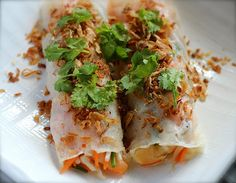Banh Cuon with Prawns and Vegetables