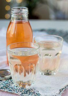 Kallrörd äppelsaft Apple Recipes, New Recipes, Vegetarian Recipes, Drink Recipes, Chutney, Alcoholic Drinks, Beverages, Cocktails, Candy Drinks