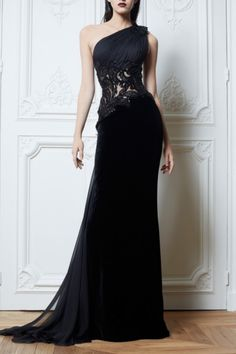 amazing long black dress with lace flowers