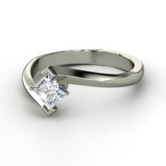 Engagement Ring: on point ring