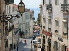 Goldene Ausblicke: Fünf Mal Lissabon von oben / Five golden views of Lisbon from above | via Sören Peters, Fluchtplan 07.11.2013 | Foto: Blick vom Castelo São Jorge durch die Straßenschluchten. (Foto: Sören Peters)