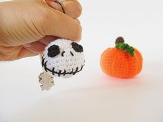Halloween Jack Skellington Keychain  In this tutorial by Little Things Blogged, you'll learn how to crochet this cool Jack Skellington keychain.