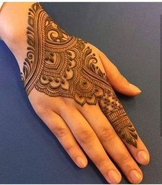 50 Most beautiful Heena Mehndi Design (Best Henna Design) that you can apply on your Beautiful Hands and Body in daily life. Back Hand Mehndi Designs, Henna Art Designs, Modern Mehndi Designs, Mehndi Design Pictures, Beautiful Mehndi Design, Latest Mehndi Designs, Bridal Mehndi Designs, Mehandi Designs, Mehndi Images