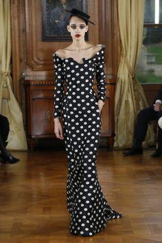 Ronald van der Kemp Spring 2019 Couture Fashion Show - Vogue Style Couture, Couture Fashion, Christian Siriano, Fashion Week, Fashion Show, Daily Fashion, Street Fashion, Kanye West, Betsey Johnson