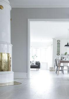 Classic Home Decor, All White, Home Decor Inspiration, Dining Room, Interior, Kitchen, Mars, Furniture, Instagram