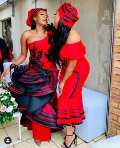 You do things… Couples African Outfits, African Wear Dresses, Latest African Fashion Dresses, African Print Fashion, African Attire, African Prints, Africa Fashion, South African Traditional Dresses, Traditional Outfits