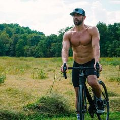 Eat and play like Rich Froning. Rich Froning Jr, Gym Quote, Mens Fitness, Crossfit, Earth, Healthy Food, Play, Inspiration
