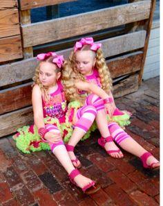 #twins #twinstuff #twinning #texas #thetwins #thetexastwins  #texastwinsevents #texastwinstreasures #twosetsoftwinstexas #meetmytwin #allabouttwins #identicaltwice  #makennamahaney #maryssamahaney #twintreasure #twinsandmultiples #littletwins #thelittlepawners #texastwinstv #wedoeverythingtogether  #longhairdontcare #twingirls #twinsisters #twiceblessed www.thepawningplanners.co #doubletrouble