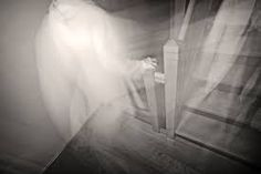 Kisértet járás – Google Kereső Types Of Ghosts, Cursed Objects, Paranormal Experience, Real Paranormal, Spring In New York, Unexplained Phenomena, Unexplained Mysteries, Ghost Pictures, Real Ghosts