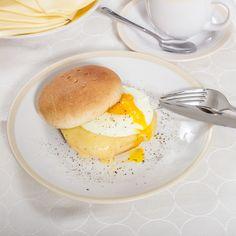 ¿Alguien dijo un pan HOME BAKERY de BredenMaster con huevo para desayunar? Que delicia