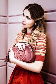 Russian fashion blogger Maria Kolosova carrying the Gucci Soho Disco Bag