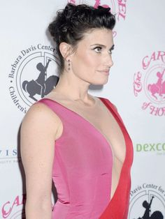 So on my approximately time seeing a picture of her in this dress I have FINALLY managed to recognize that it actually has a sheer panel on the front. Am I blind? Idina Menzel, Unusual Things, How Beautiful, Blind, Amazing Women, Take That, Singer, Actresses, Woman