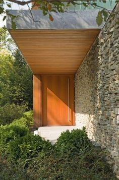 Un porche simple, elegante y bien diseñado.
