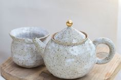 """Hannah Lawrence Pottery follows nature's cycle of rain, earth, hands and fire: """"My alchemy is born from a life that is led by the principle of simplicity,"""" says Lawrence, where she sees her art as the organic product of a holistic life. hannahlawrence.net"""