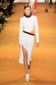Thierry Mugler at Paris Fashion Week Fall 2016 - Runway Photos