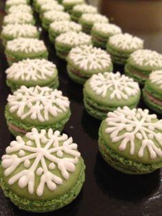 Sinterklaas or Christmas macarons