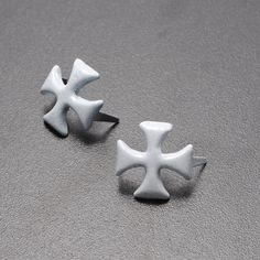 100pcs Matte Silver Rivet Spike