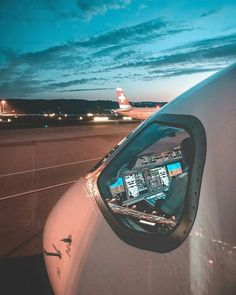 training material for pilots & safety in aviation Commercial Plane, Commercial Aircraft, Airport Architecture, Airplane Wallpaper, Photo Avion, Aviation Quotes, Airplane Photography, Civil Aviation, Aviation News