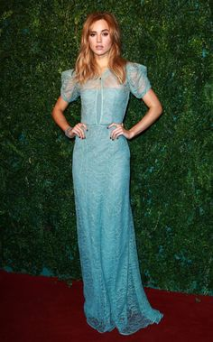 Suki Waterhouse dons Burberry gown with sheer sleeves -  at the 60th London Evening Standard Theatre Awards in Burberry