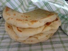 Jogurtové chlebové placky (fotorecept) - recept   Varecha.sk Food And Drink, Cooking, Ethnic Recipes, Basket, Kitchen, Brewing, Cuisine, Cook