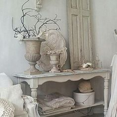 Chic Shabby and French French Decor, French Country Decorating, Interior Design Living Room, Living Room Decor, Vintage Shabby Chic, Vintage Decor, French Vintage, Shabby Chic Interiors, Farmhouse Chic